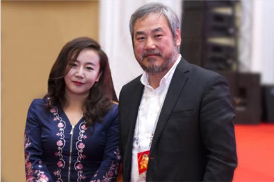 中国美术学院院长王铁与公司张总.png